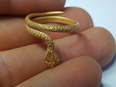 ROMAN GOLD SNAKE RING 2nd-3rd century AD
