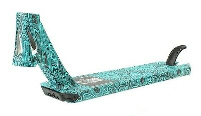"Blunt AOS V4 Warick ""Wazzeh"" Beynon Signature Scooter Deck - Teal Paisley"