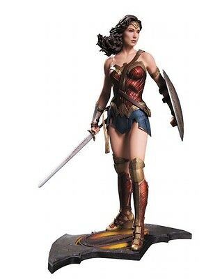 DC  Diamond direct   Batman vs Superman: Wonder Woman Statue 1/6