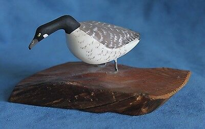 Beautiful Vintage Signed J PELLETIER Hand Carved Wood CANADIAN GOOSE Bird Figure