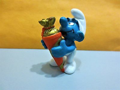 WOW RARE SMURF  red surprise bag mint condition a must in all collection LOOK