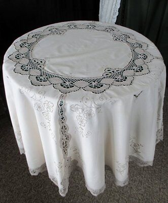 """VINTAGE ROUND TABLECLOTH WITH HAND EMBROIDERY & BOBBIN LACE-62"""" dia"""