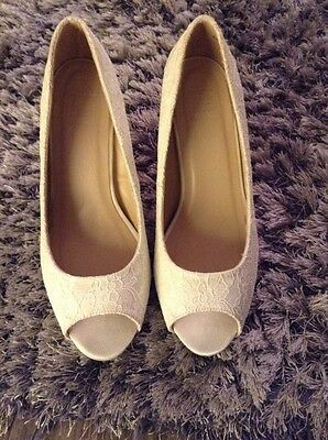 Sole Diva Ivory Lace Platform Peep Toes Size 6 Fit EEE Wedding Bridesmaid