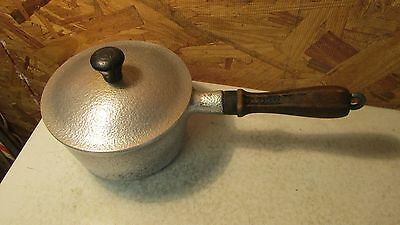Hammered Club Aluminum Sauce Pan & Lid- 1 Qt