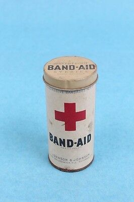 VINTAGE 1920-30's JOHNSON & JOHNSON ROUND RED CROSS BAND AID TIN CONTAINER