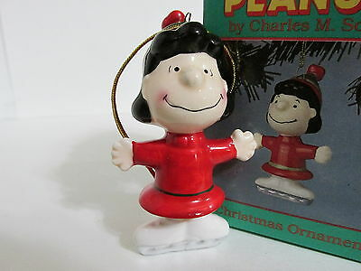 Snoopy Peanuts Charlie Brown Willitts Ceramic Christmas Ornament Lucy 1987