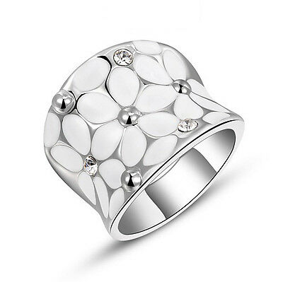 White Gold Plate Women's Fashion Made with Swarovski Crystal Flower Ring R131