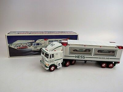 1997 Hess Toy Truck and Racers,Headlights &Taillights, 2xRacers w/Friction motor