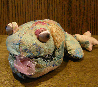 """Russ Berrie #100081-A FLORRIE FROG, 8"""" long, NEW with tag, From Retail Store"""