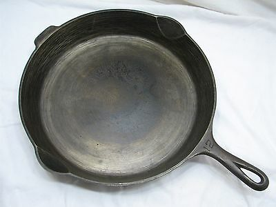 Antique Griswold No. 12 Cast Iron Skillet Mold 719D Frying Pan w/Heat/Smoke Ring