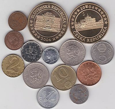 14 Hungary & Czechoslovakia Dated 1892 To 2004 In Very Fine Or Better Condition