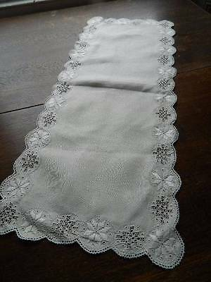 Vintage UNUSED Irish linen table runner with Lefkara embroidery and needlelace.