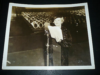 MARY PICKFORD, orig 8x10 [promotion for weekly NBC radio show] - 1934