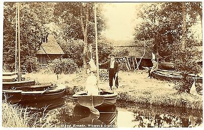 Rare R.p. Postcard Men-Woman In Boat-Boat Yard-Womack Staithe-Norfolk Broads