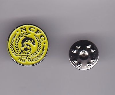 Nairn County (Scottish Highland League)  - lapel badge butterfly fitting
