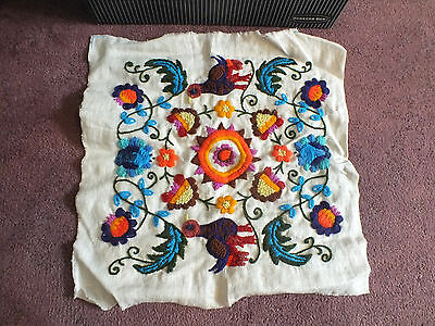Crewel Embroidery Sampler Complete Ready to Frame Or Face Pillow Bold Floral 16""