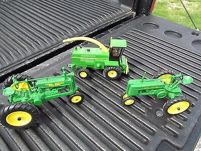 3 Ertl John Deere Tractors 1/16 Scale Model H, 6850, Model A, Great Lot