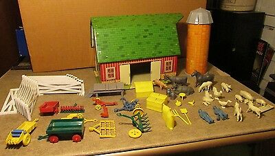 Marx Happi Time Farm Barn & 43 Pieces - Implements - Animals +