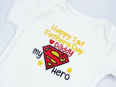 Embroidered SUPERMAN MY HERO DADDY HAPPY 1st FATHERS DAY BABY BIB VEST SLEEPSUIT