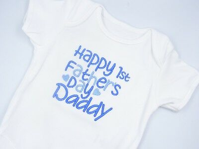 Embroidered HAPPY 1ST FATHERS DAY DADDY BABY BOY GIRL BIB VEST BABYGROW CLOTHING