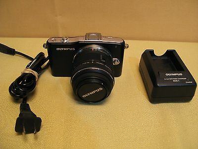 Olympus PEN E-PM1 12.3 MP Digital Camera Black with 14-42mm II Lens