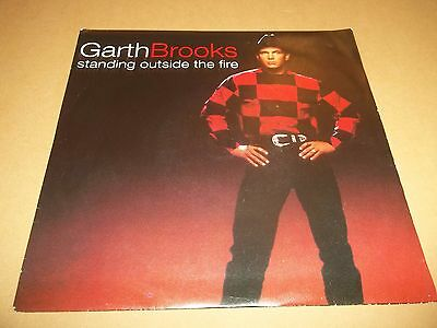 """Garth Brooks """" Standing Outside The Fire """" 7"""" Single P/s 1996 Nr Mint"""