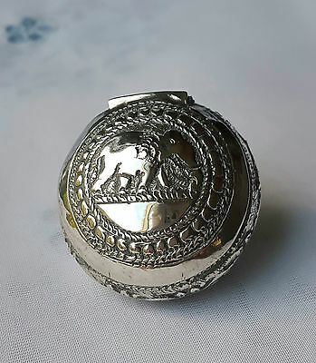 Vintage*STERLING SILVER*Miniature ROUND*PILL BOX*Hinged Lid*With ELEPHANT Design