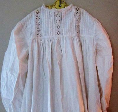Antique Victorian Childrens Young Girls Ivory Nightgown Bed Dress Pintuck & Lace