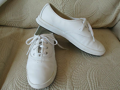 Naturalizer White Leather Tennis Shoes Sneakers Lace-up Tie Size 11 Medium