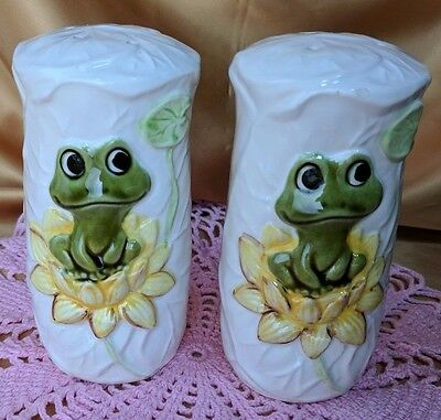 SEARS ROEBUCK Neil the Frog Salt & Pepper Shakers 1977 Vintage *et