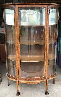 1900s QUARTERSAWN OAK ALLIANCE FURNITURE CO. CLAW FOOT CURVE GLASS CHINA CABINET