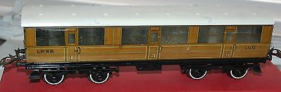 HORNBY SERIES O GAUGE No 2 CORRIDOR  COACH LNER WITH BOX