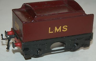 HORNBY SERIES O GAUGE No 1 SPECIAL TENDER IN LMS RED LIVERY