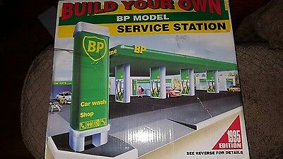 toy service station BP model 1995 edition