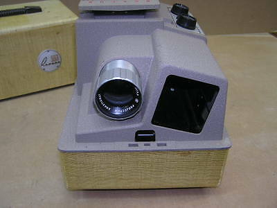 VINTAGE Revere 553 Slide Projector with bulb, cord, case