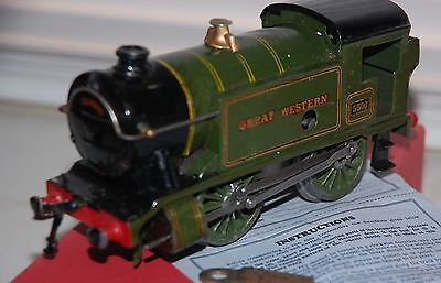 HORNBY SERIES O GAUGE C/W No 1 SPECIAL TANK LOCO IN GWR GREEN LIVERY BOXED