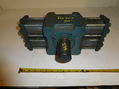 Flo-Tork Hydraulic Rotary Actuator 100 Degrees