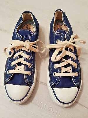 Vintage Converse Blue Canvas Unisex Youth Kids Low Top Shoes Size 2 1/2 USA