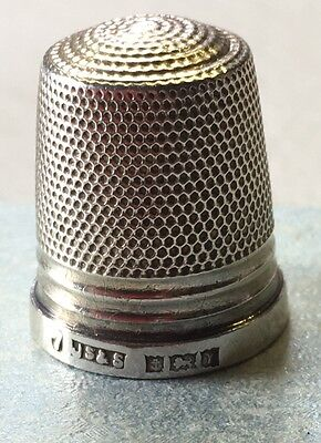 Collectable Solid Silver Vintage Thimble , Clearance Find