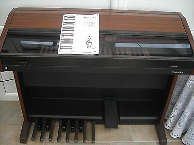 Technics  EX25 electric Organ in VGC hardly used