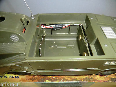 VINTAGE MARX BATTERY OPERATED MODEL No. AMPHIBIOUS MILITARY VEHICLE