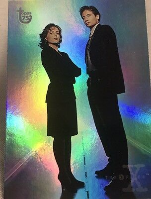 Free Postage TOPPS 75th Anniversary Rainbow Foil card 100 The X-Files Parallel