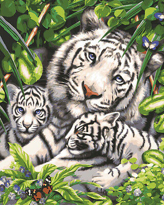 Grafitec Printed Tapestry Needlepoint Canvas - White Tiger and Cubs