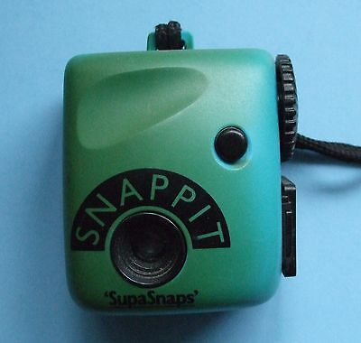 SUPASNAPS  SNAPPIT CAMERA Green - 126 Film - 1980s