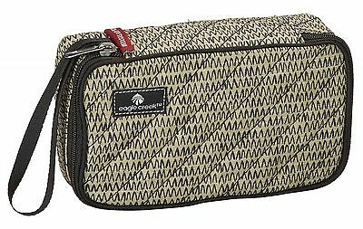 eagle creek Toiletry Bag Quilted Quarter Cube