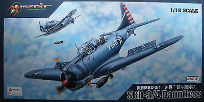 MERIT 61801  SBD-3/4 Dauntless in 1:18 RIESIG!!