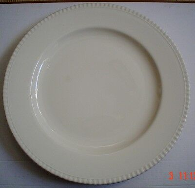 Un Named Very Large Cream Coloured Round Charger Platter Plate
