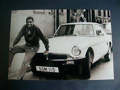 "WEST BROMWICH ALBION player LAURIE CUNNINGHAM  (F) 6""x4"" REPRINT POST FREE"