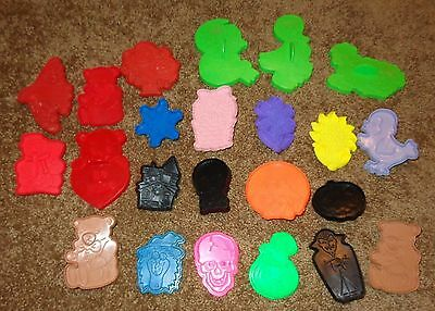 Mixed Lot 22 Vintage Cookie Cutters Snowflake Witch Vampire Wilton Lisa Frank