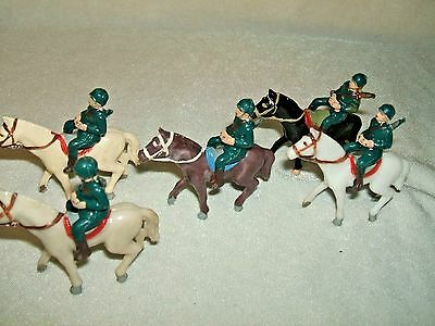 SET OF 5 VINTAGE  1960s     MOUNTED SOLDIERS AND HORSES     HARD PLASTIC